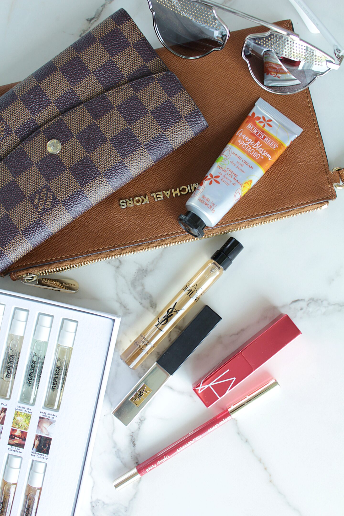 Fall Beauty Essentials/ What's inside my Beauty Bag